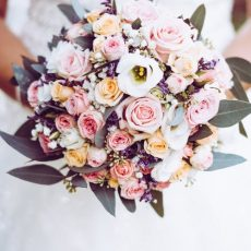How to Choose Flowers for A Wedding?